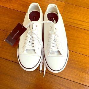 Men's Tommy Hilfiger Sneaker, White, (Size 10)